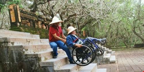 Vì sao người khuyết tật sợ ra đường?