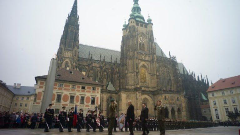 Giáo hội Séc phản đối kế hoạch đánh thuế của Cộng sản