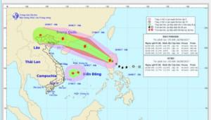 Tin bão số 7, Pakhar: Liên tục tăng cấp, gió giật cấp 13