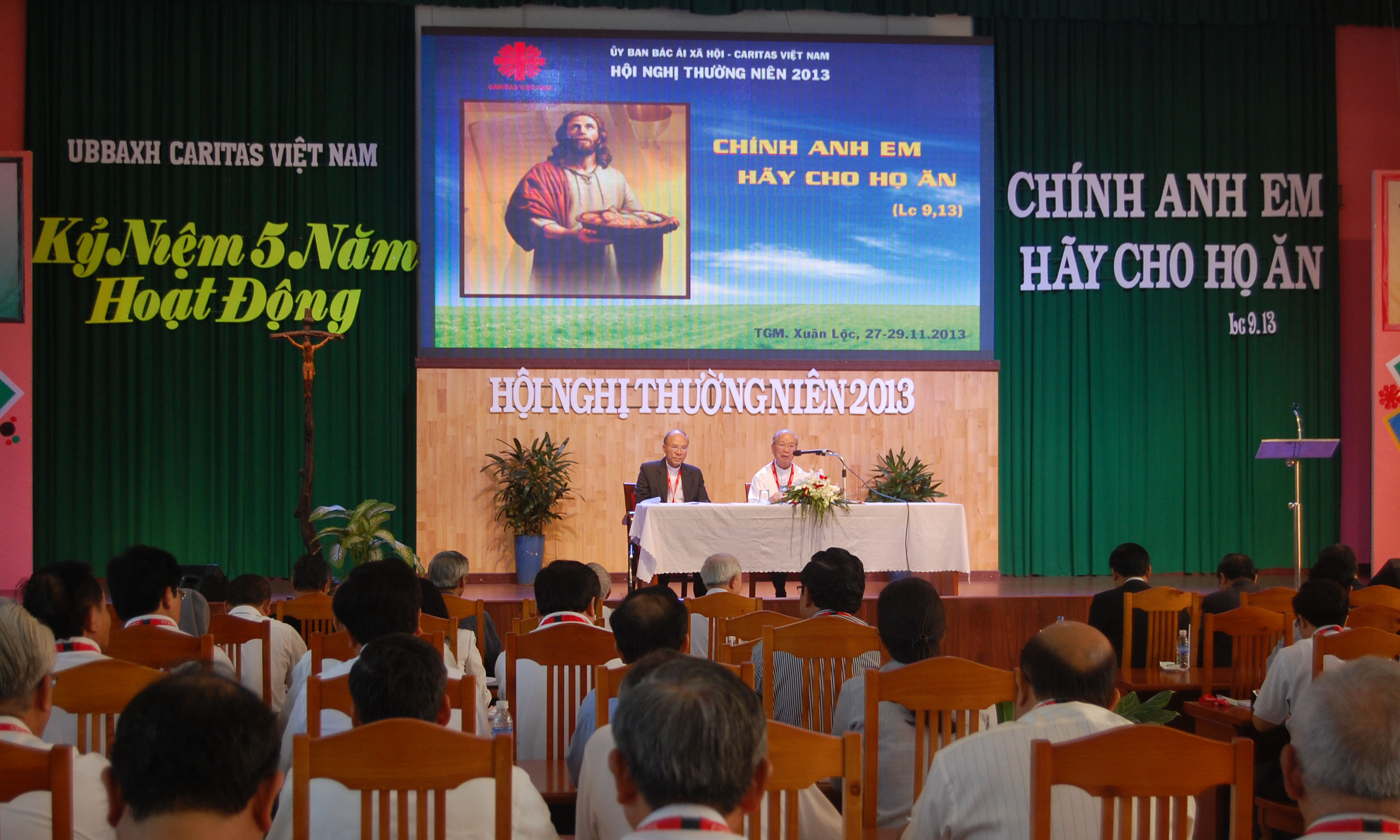 Caritas Việt Nam: HNTN 2013