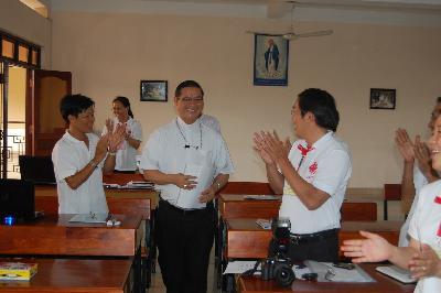 Đức Cha Tôma Vũ Đình Hiệu gặp gỡ Tham dự viên khóa Kỹ năng Truyền thông cơ bản