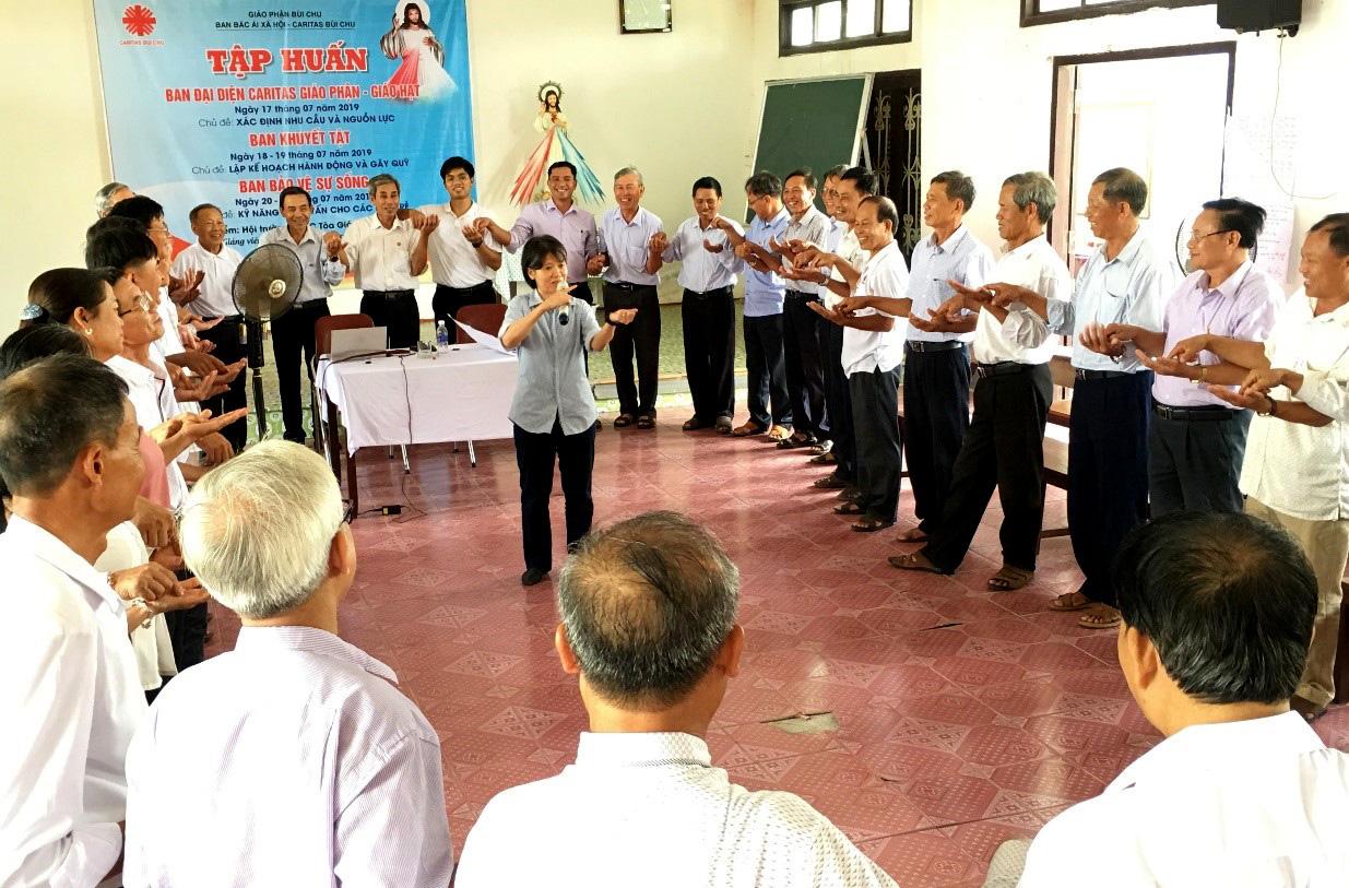 Caritas Bùi Chu: Khoá tập huấn cho Ban Đại diện Caritas Giáo hạt, Ban Khuyết Tật và Ban Bảo Vệ Sự Sống