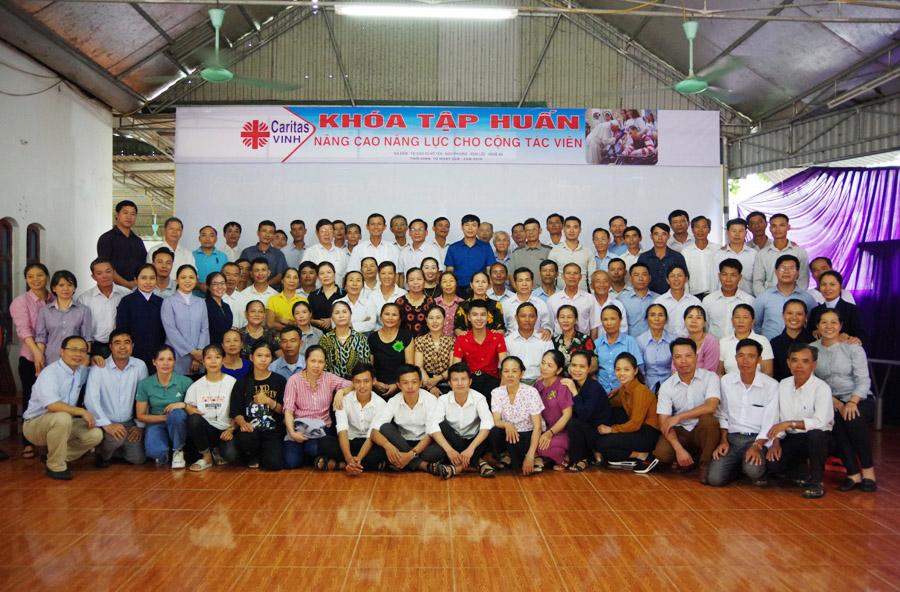 """Caritas Vinh và Hà Tĩnh: Tập huấn """"Nâng cao năng lực cho cộng tác viên, tình nguyện viên hỗ trợ người khuyết tật"""""""