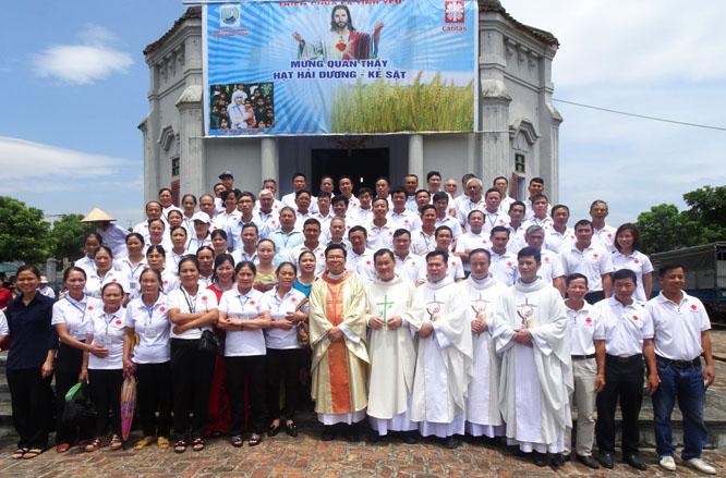 Caritas Hải Phòng: Caritas liên hạt Hải Dương - Kẻ Sặt mừng lễ Quan thầy: Gặp gỡ Chúa nơi người nghèo và bệnh nhân theo gương Mẹ Têrêsa Calcutta
