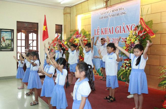 Caritas Hải Phòng: Thăm và tặng quà cho các em trường Khiếm thị và Khiếm thính nhân dịp khai giảng và vui tết Trung thu