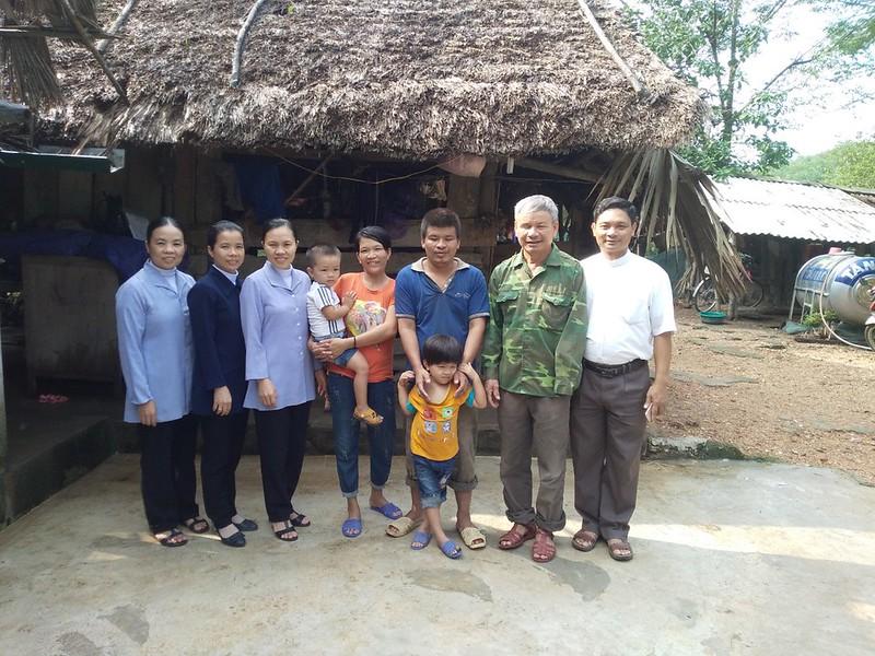 Caritas Hà Tĩnh: Niềm vui vì tình người trong công tác cứu trợ người dân vùng lũ lụt