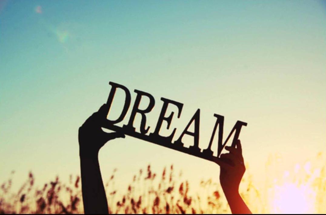 Ước Mơ Và Hiện Thực