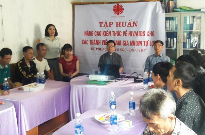 """Caritas Hải Phòng: Khóa tập huấn """"Nâng cao kiến thức về HIV/AIDS"""" cho các thành viên Nhóm tự lực mới"""