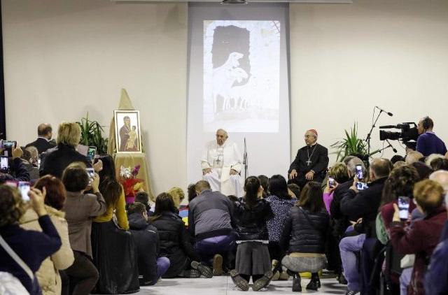 Đức Thánh Cha thăm trung tâm Caritas ở Roma
