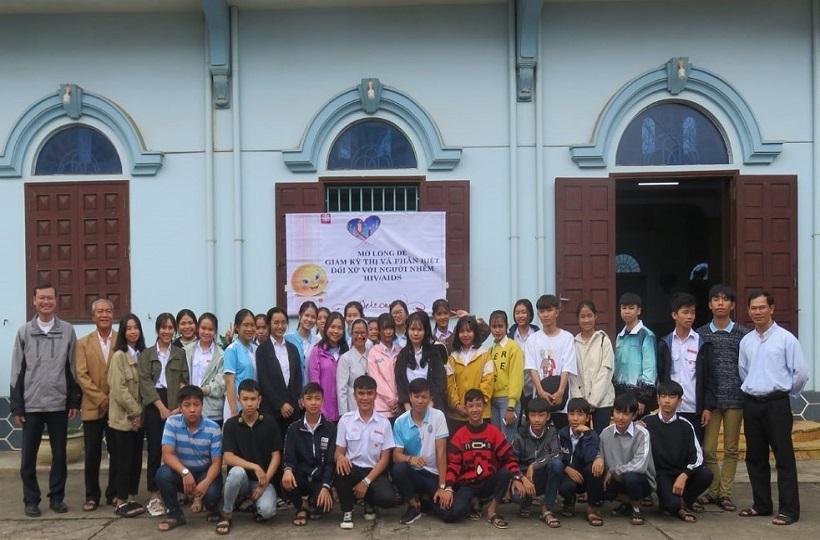 Caritas Huế: Giới trẻ học hỏi lối sống tích cực và truyền thông về HIV