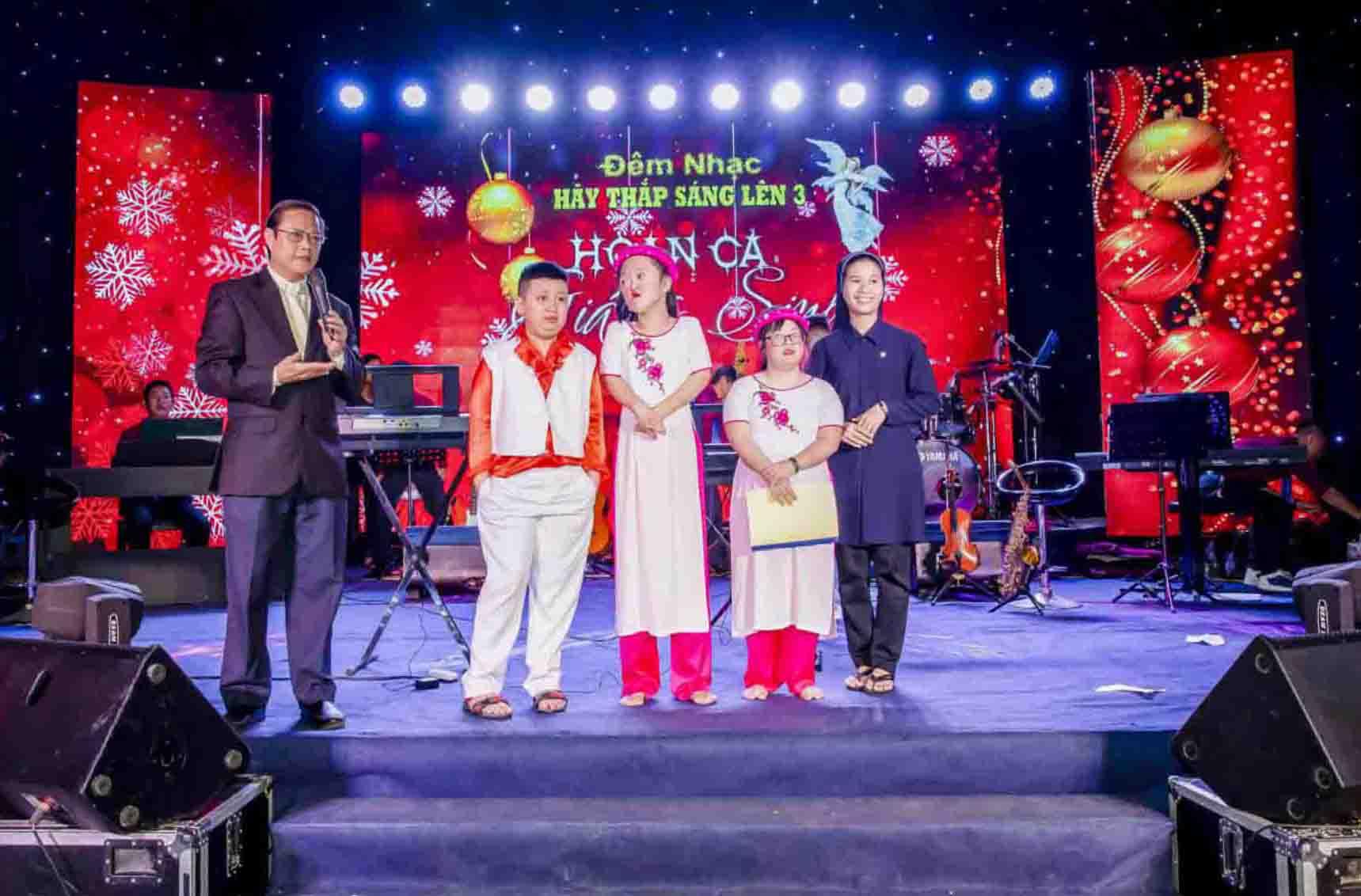 Caritas Nha Trang: Niềm Vui Giáng Sinh Về