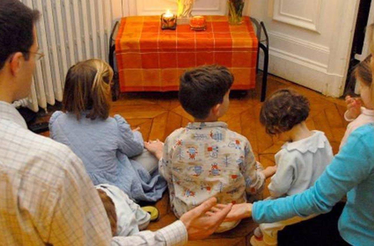 Đức Hồng y Farrell với các gia đình: hãy là Giáo hội tại gia trong đại dịch