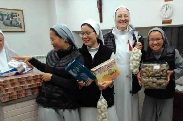 Đại sứ quán Đài Loan cạnh Tòa Thánh giúp các nữ tu bị cách ly