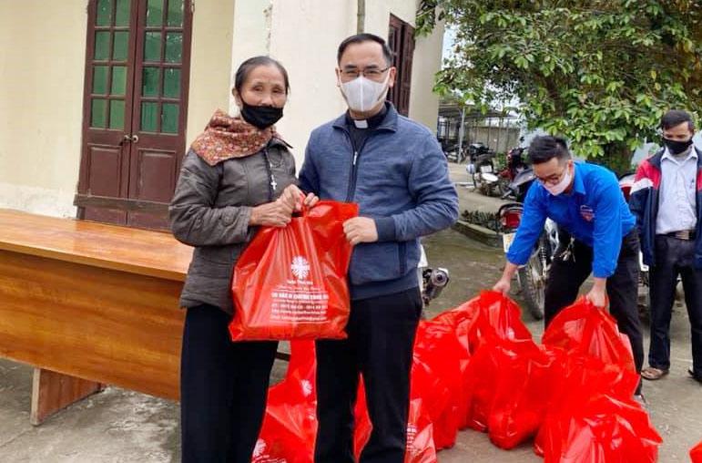 Caritas Thanh Hoá: Đồng hành cùng ngư dân nghèo trong cơn đại dịch Covid-19