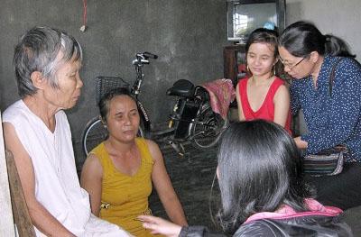 Caritas Việt Nam và Huế thăm và khảo sát hậu quả lũ lụt tại Giáo phận Huế