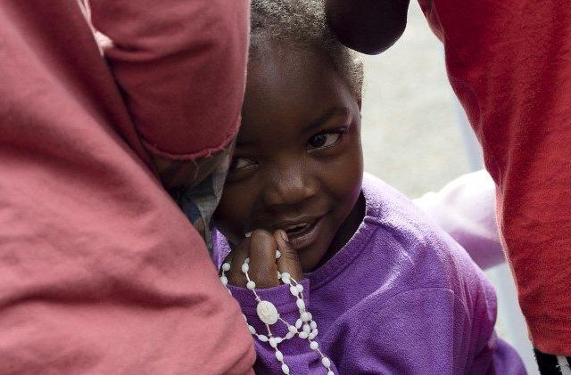 Sơ Wakibiru và Trung tâm Limuru Cheshire Home trợ giúp các thiếu nữ khuyết tật ở Kenya