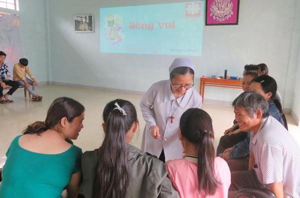 Caritas Huế: Tổ chức sinh hoạt vui chơi cho trẻ OVC tại Quảng Trị