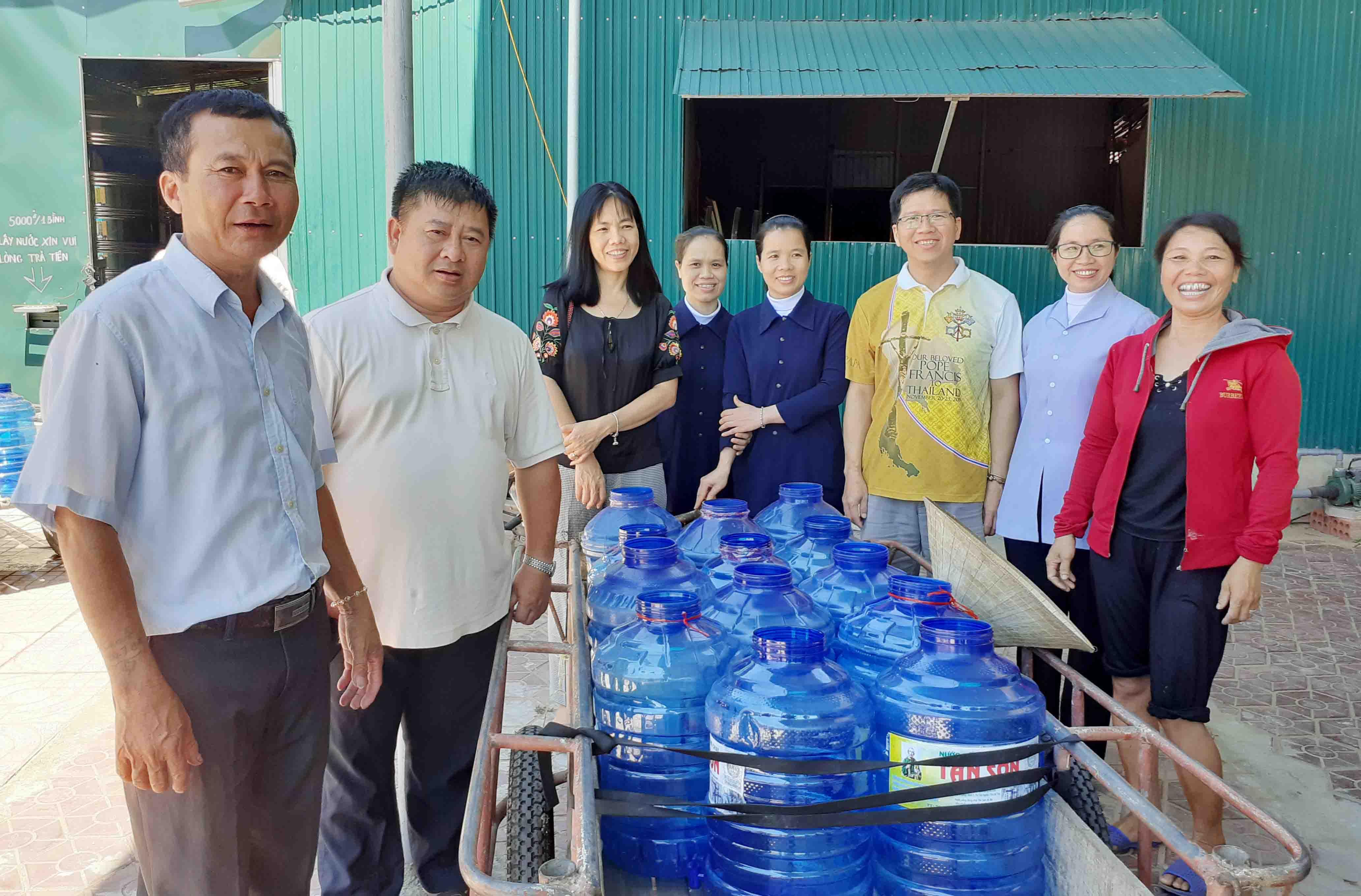 Caritas Hà Tĩnh: Nghiệm thu đưa vào sử dụng hệ thống lọc nước và khảo sát thực hiện chương trình nước uống tinh khiết cho người dân