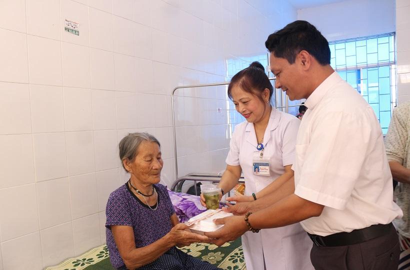 Lm. Gioan Baotixita Nguyễn Huy Tuấn: Một Con Người Với Những Bước Chân Không Mỏi