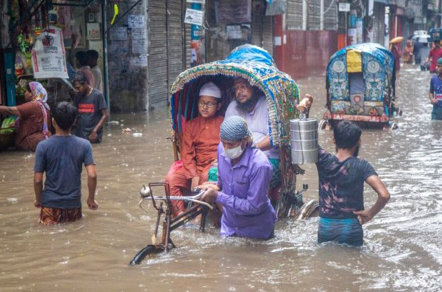 4 triệu trẻ em Nam Á nguy hiểm do lũ lụt và nhiều trẻ em khác do Covid-19