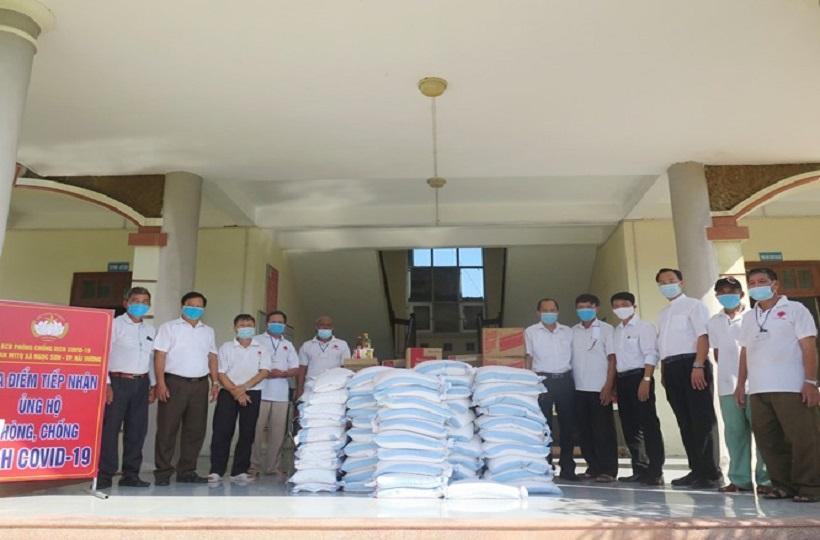 """Caritas Hải Phòng: Ngày thứ hai trong """"Chương trình giúp đỡ những người khó khăn vì Covid-19 tại thành phố Hải Dương"""""""