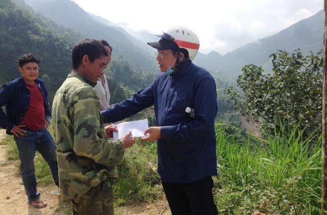 Caritas Hưng Hoá: Thăm Hỏi, Động Viên Và Chia Sẻ Với Anh Chị Em Dân Tộc Thiểu Số Nghèo Vùng Sạt Lở Đất Đá Ở Hoàng Su Phì - Hà Giang