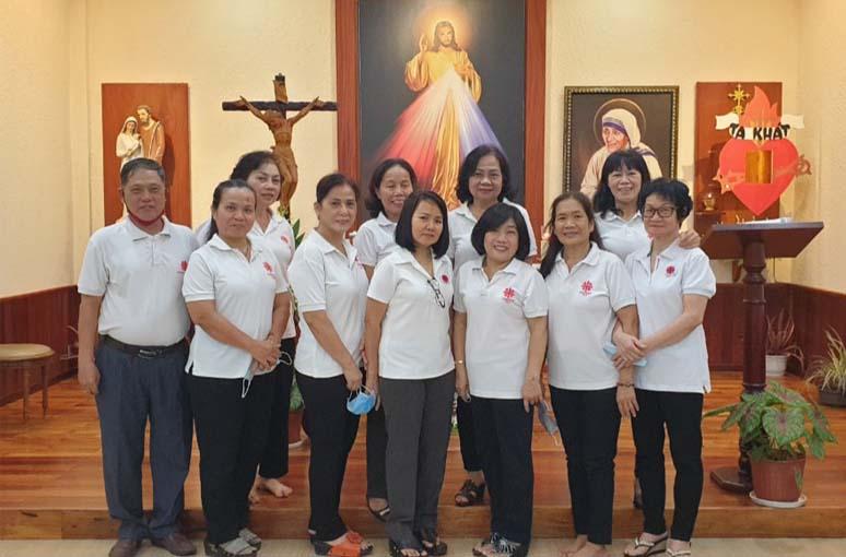 Caritas Gx. Trung Chánh: Học nhân đức Mẹ Têrêsa đến với người nghèo