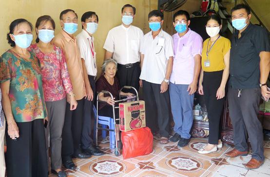 Caritas Hải Phòng: Gần 800 triệu đồng cho Chương trình giúp người khó khăn vì Covid-19 tại thành phố Hải Dương