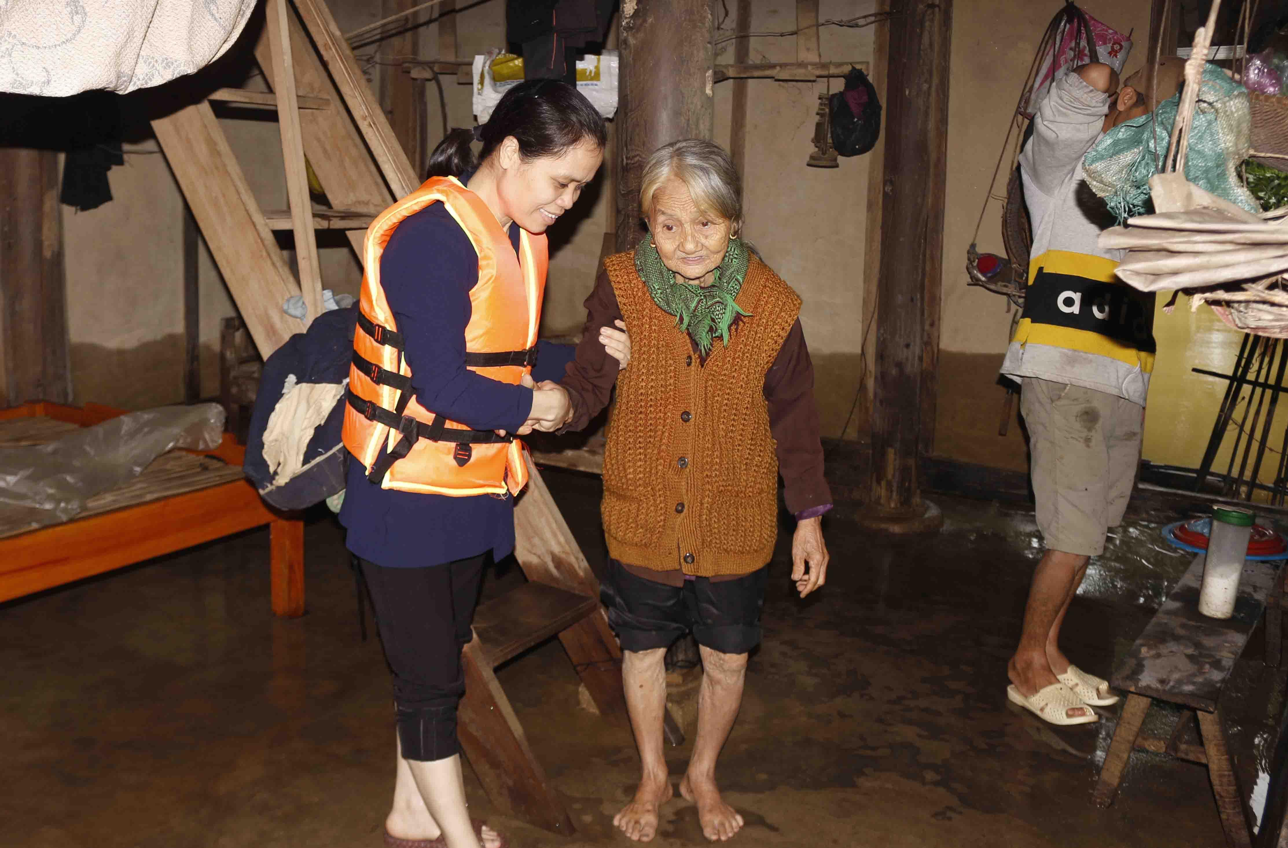 Caritas Hà Tĩnh: Thư Ngỏ Hỗ Trợ Khám Chữa Bệnh Cho Người Dân Vùng Lũ Lụt