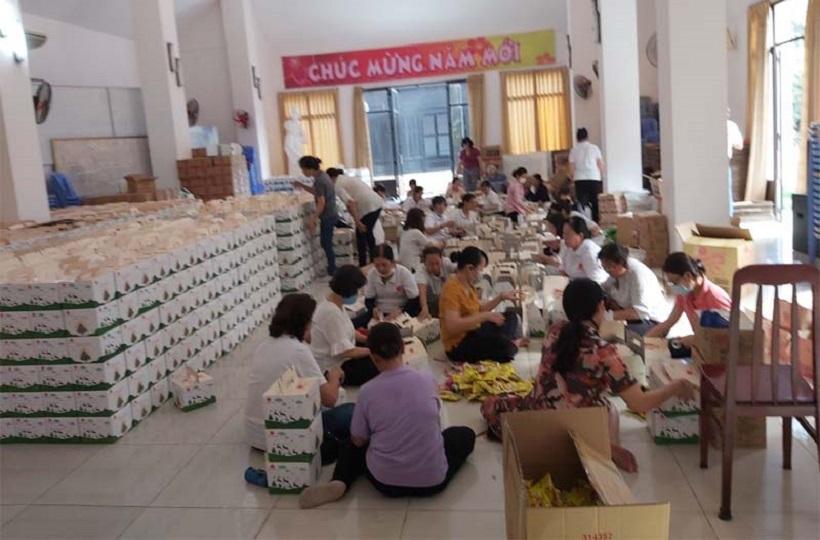 Caritas Sài Gòn: Những Hộp Quà Giáng Sinh Gửi Gắm Yêu Thương