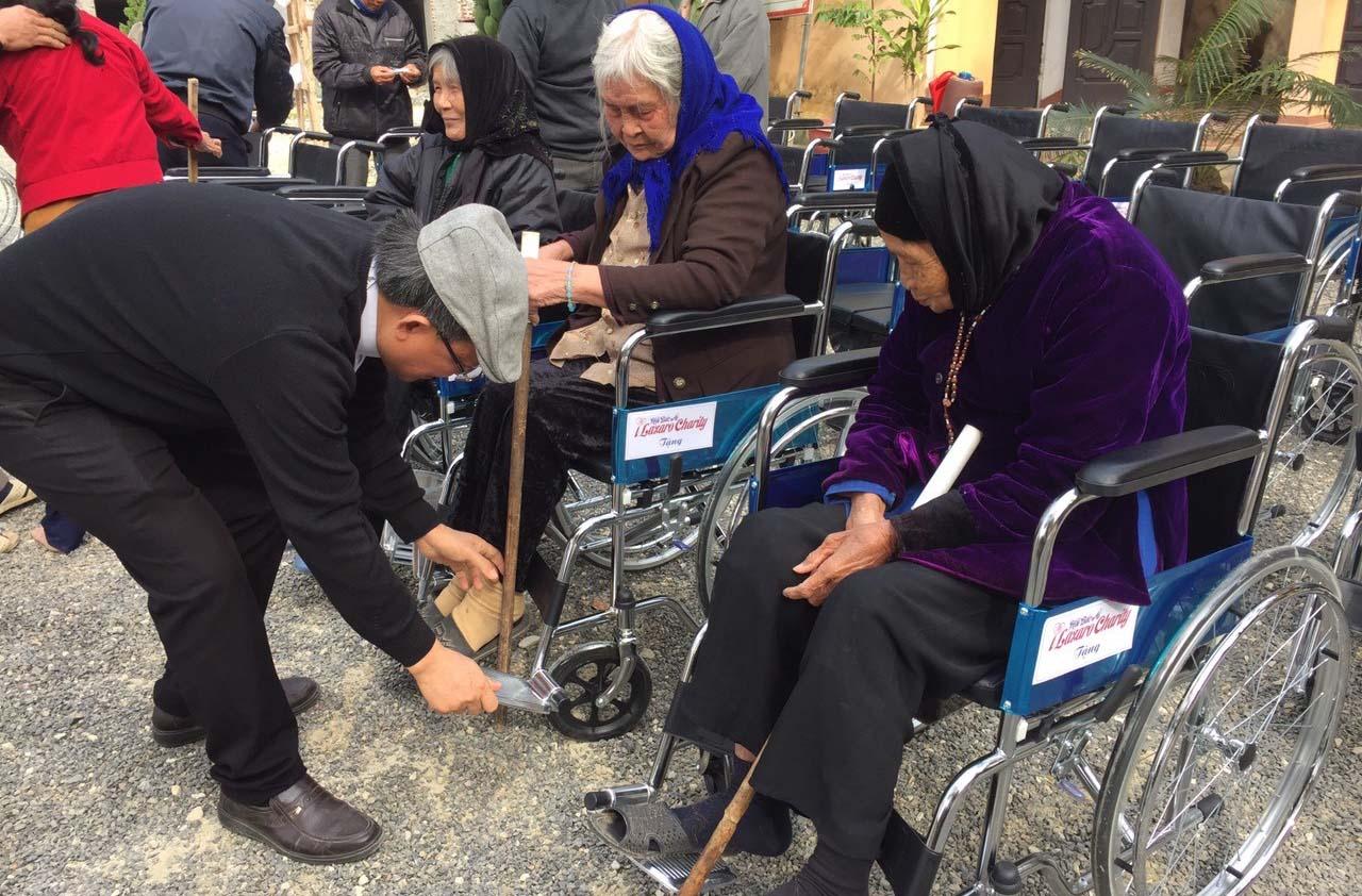 Caritas Phát Diệm: Mang Niềm Vui Giáng Sinh Đến Người Khuyết Tật