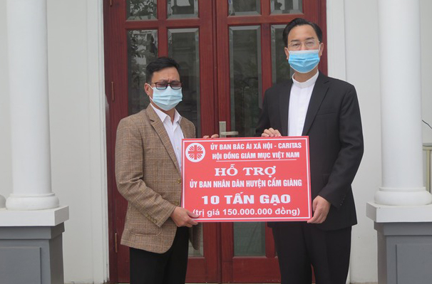 CARITAS VIETNAM CONTINUES TO ASSIST IN PREVENTING COVID-19 EPIDEMIC IN HAI DUONG PROVINCE
