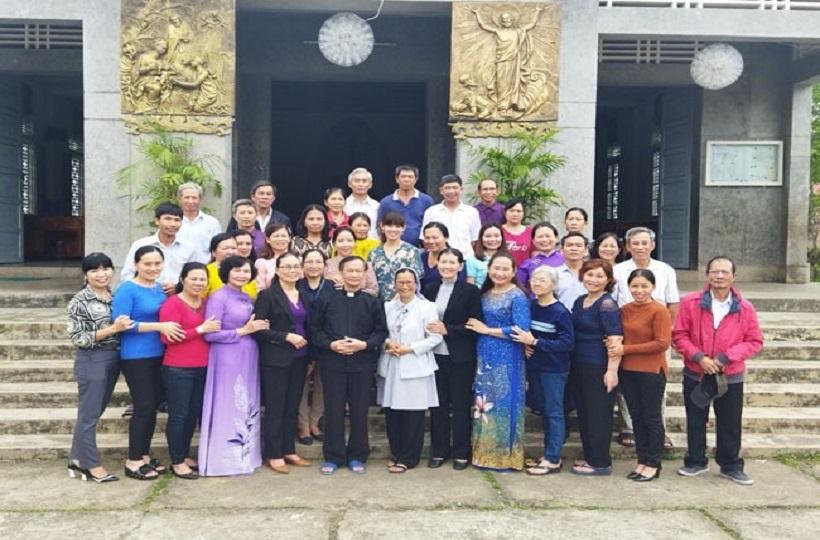 Caritas Huế: Sinh Hoạt và Truyền Thông Cho Cộng Đồng Về Kiến Thức HIV Tại Giáo Xứ Phường Đúc