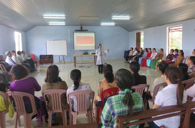 Caritas Huế: Truyền thông và sinh hoạt tại Giáo xứ Thạch Bình