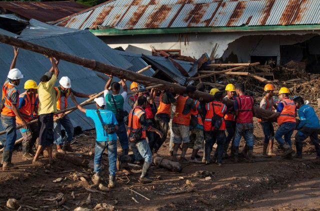Caritas Indonesia tham gia cứu hộ các nạn nhân của thiên tai lốc xoáy