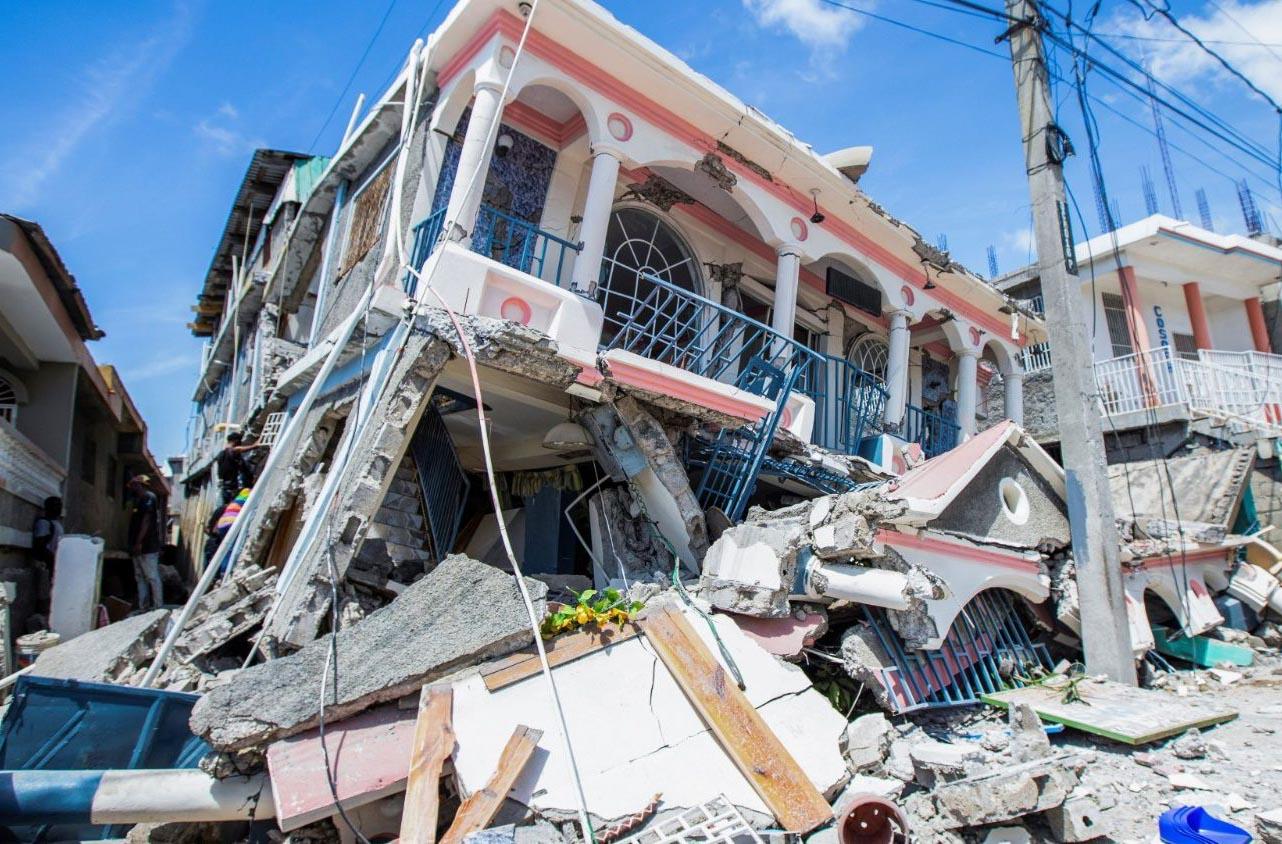 ĐTC cầu nguyện cho hòa bình ở Afghanistan và kêu gọi liên đới với Haiti sau trận động đất