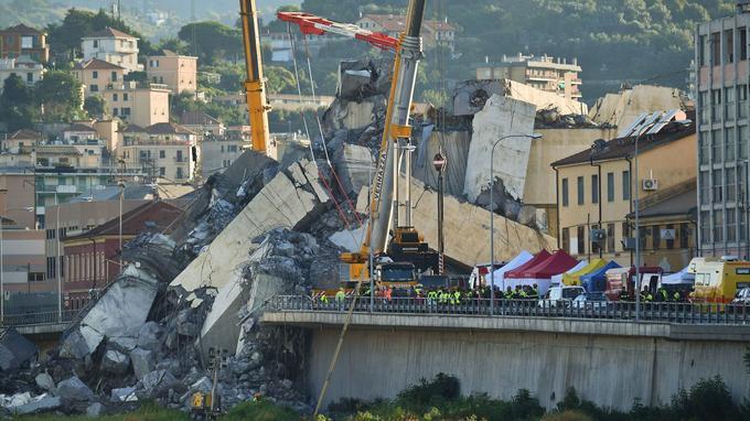 Đức Giáo Hoàng Phanxicô cầu nguyện cho các nạn nhân vụ sập cầu tại Ý