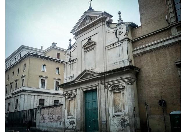 Nhà thờ thánh Calisto ở khu Trastevere, Roma đón người vô gia cư qua đêm