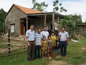 Giáo xứ Tam Trang - Giáo phận Vinh: Khánh Thành Đoạn Đường bê tông Tránh Lũ