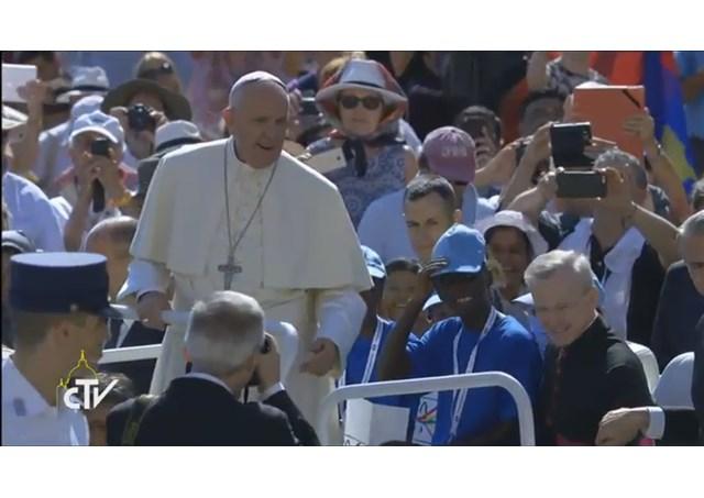 Đức Thánh Cha tiếp kiến 40 ngàn người thiện nguyện và bác ái