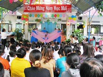 Cơ Sở Khuyết Tật Tổ Ấm Huynh Đệ & Hừng Đông Khai Giảng Năm Học Mới 2011-2012