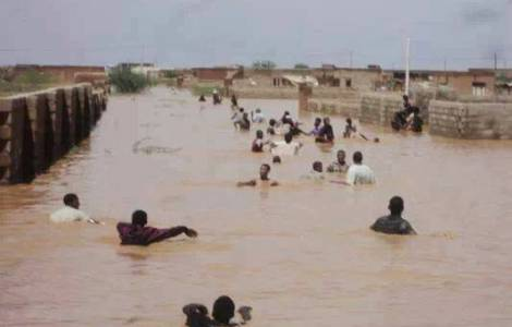 Floods cause casualties and destruction