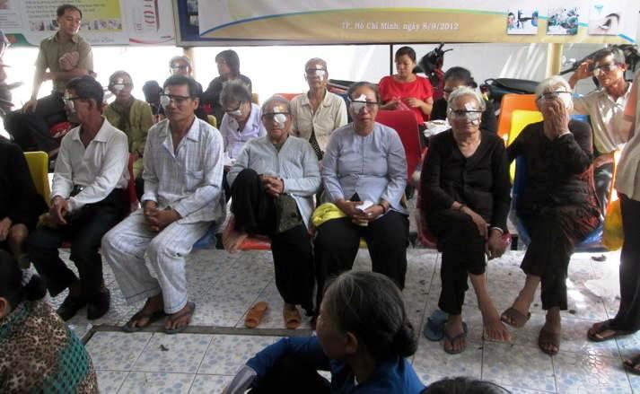 Caritas Chính Tòa: Ánh sáng cho đôi mắt người nghèo