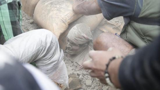 Động đất mạnh ở Nepal, hơn 870 người chết