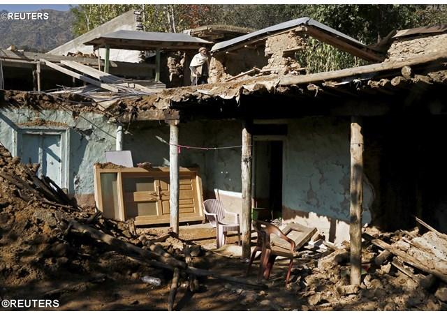 Đức Thánh Cha liên đới với các nạn nhân động đất Pakistan