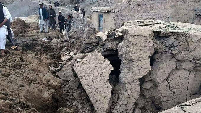 Lở đất khủng khiếp ở Afghanistan, 350 người chết
