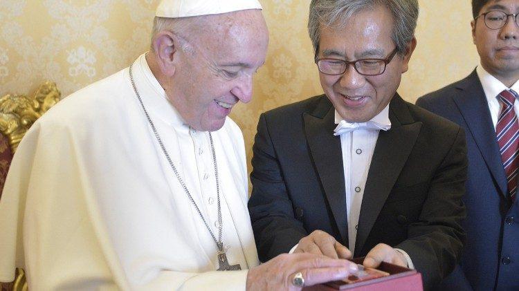 Tôn giáo góp phần quan trọng trong cuộc đối thoại Nam Bắc Hàn