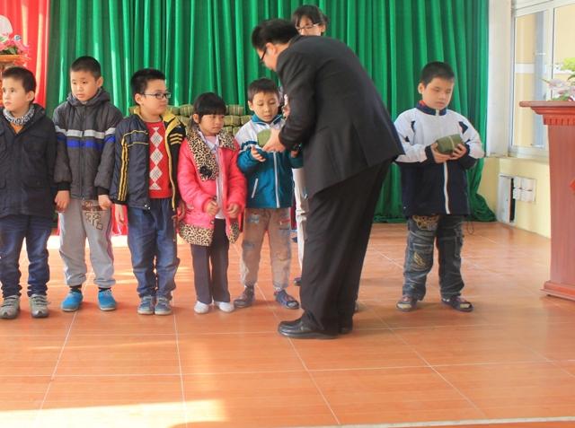 Mùa xuân ánh sáng tình thân tại trường Khiếm thị Hải Phòng