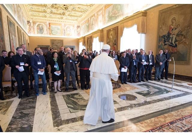 Đức Thánh Cha kêu gọi các Đại Học Công Giáo giúp người di dân