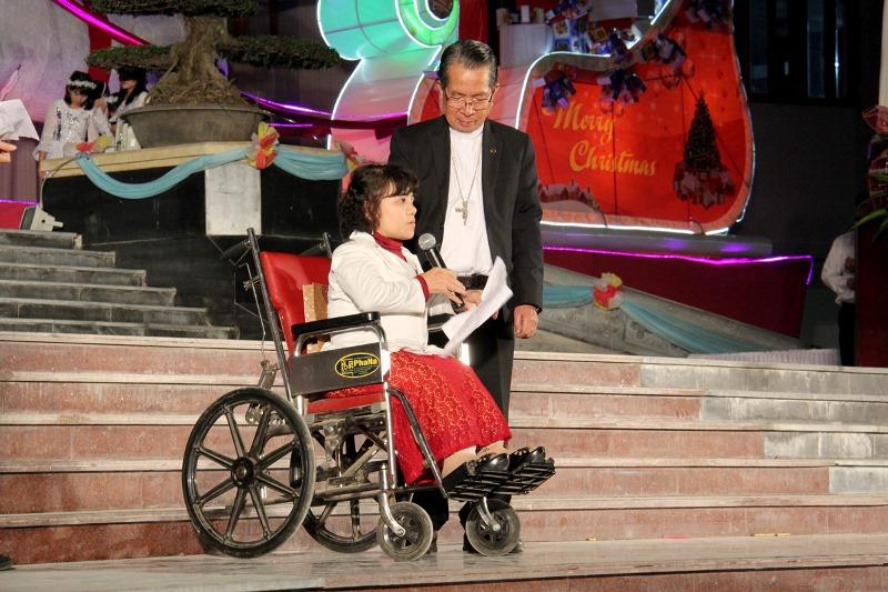 Trên 3000 anh chị em khuyết tật về tham dự Đại hội mừng Noel 2015 tại Giáo phận Thái Bình